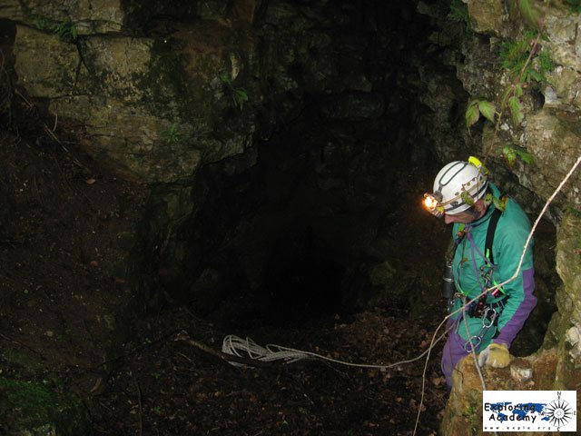grotta-montesel-03.jpg